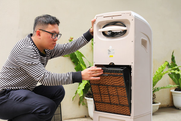 tháo lắp vệ sinh máy làm mát FujiE